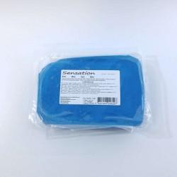Pasta de açúcar azul